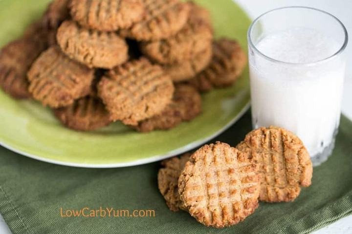 Low Carb Coconut Flour Cookie Recipes  Low Carb Peanut Butter Cookies with Coconut Flour