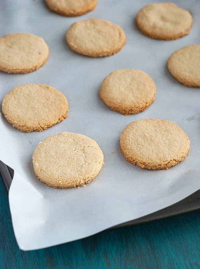 Low Carb Coconut Flour Cookie Recipes  coconut flour cookies keto