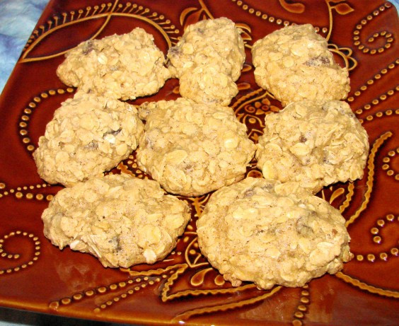 Low Fat Oatmeal Raisin Cookies  Very Low Fat Delicious Oatmeal Raisin Cookies Recipe