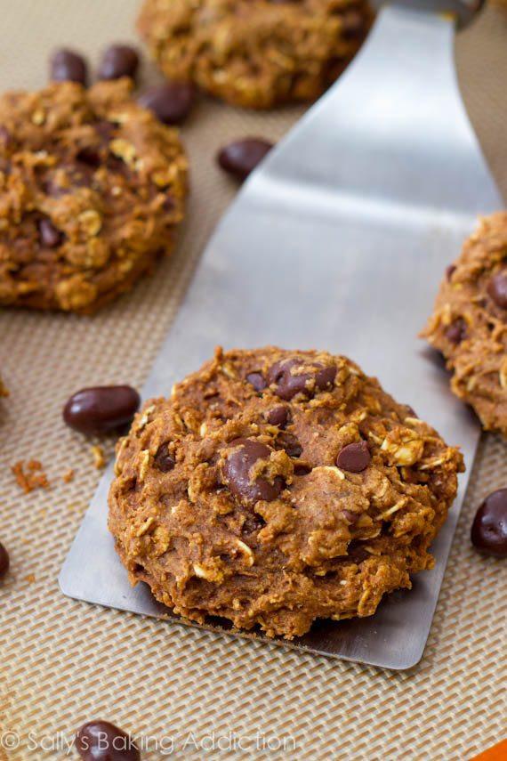 Low Fat Oatmeal Raisin Cookies  Low fat oatmeal raisin cookies recipe
