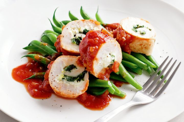 Low Fat Recipes That Taste Good  Low fat chicken spinach rolls with green beans