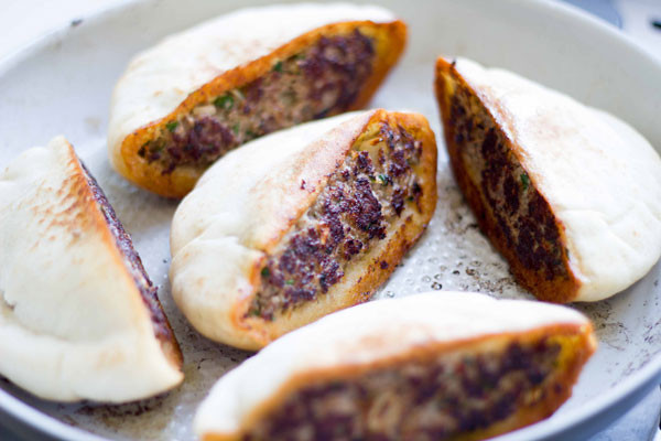 Middle Eastern Ground Beef Recipes  Spicy Middle Eastern Arayes Ground Beef Stuffed Pita