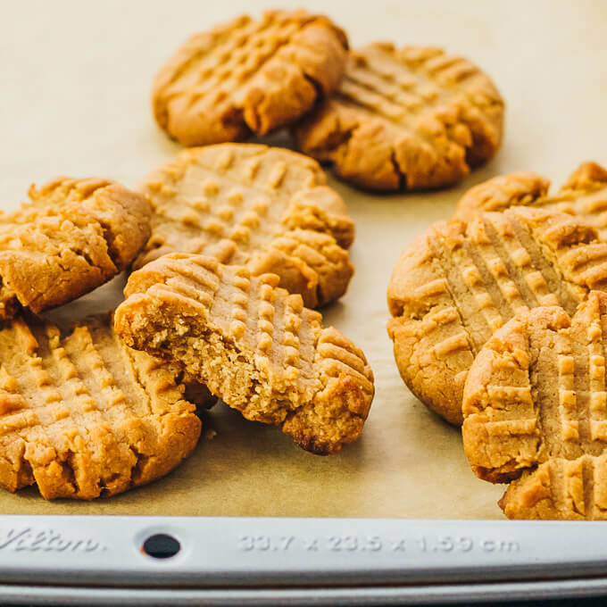 Peanut Butter Keto Diet  Keto Peanut Butter Cookies with Almond Flour or Coconut Flour