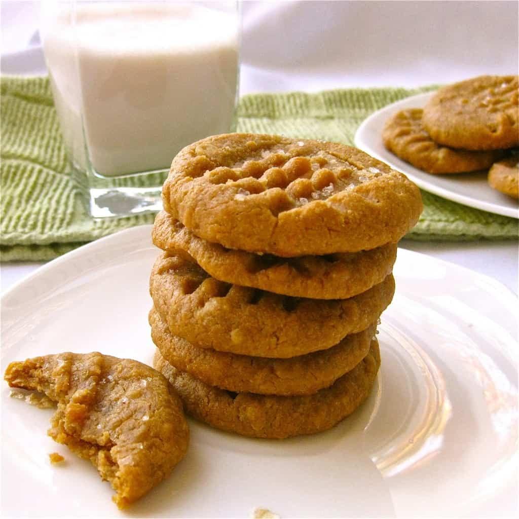 Peanut Butter Vegan Cookies  Vegan Peanut Butter Cookies Vegan Yumminess