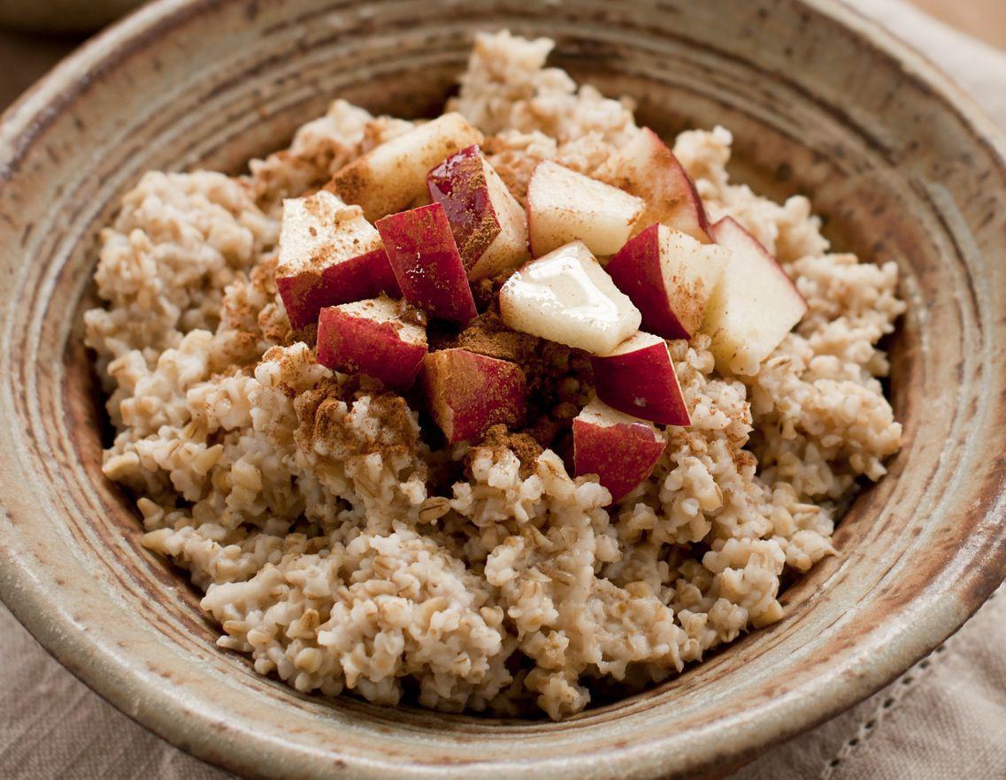 Raw Vegan Breakfast Recipes  Raw Vegan Oatmeal Breakfast Recipe with Cinnamon and Apples
