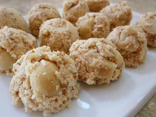 Raw Vegan Macaroons  Foods For Long Life Raw Vegan Vanilla Macaroons With