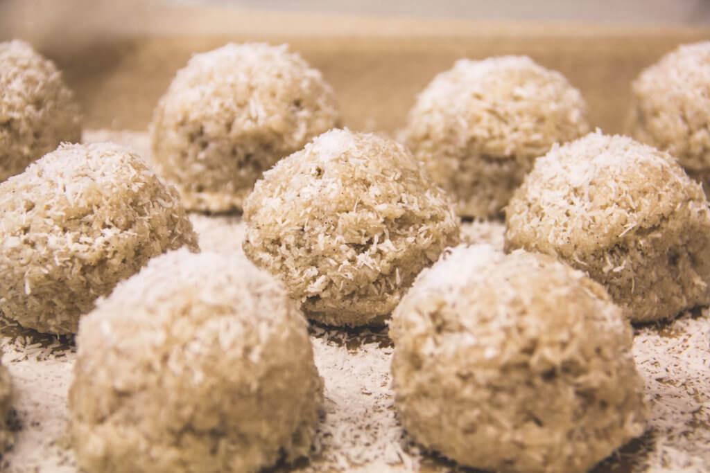 Raw Vegan Macaroons  Dessert Archives • Nature s Emporium