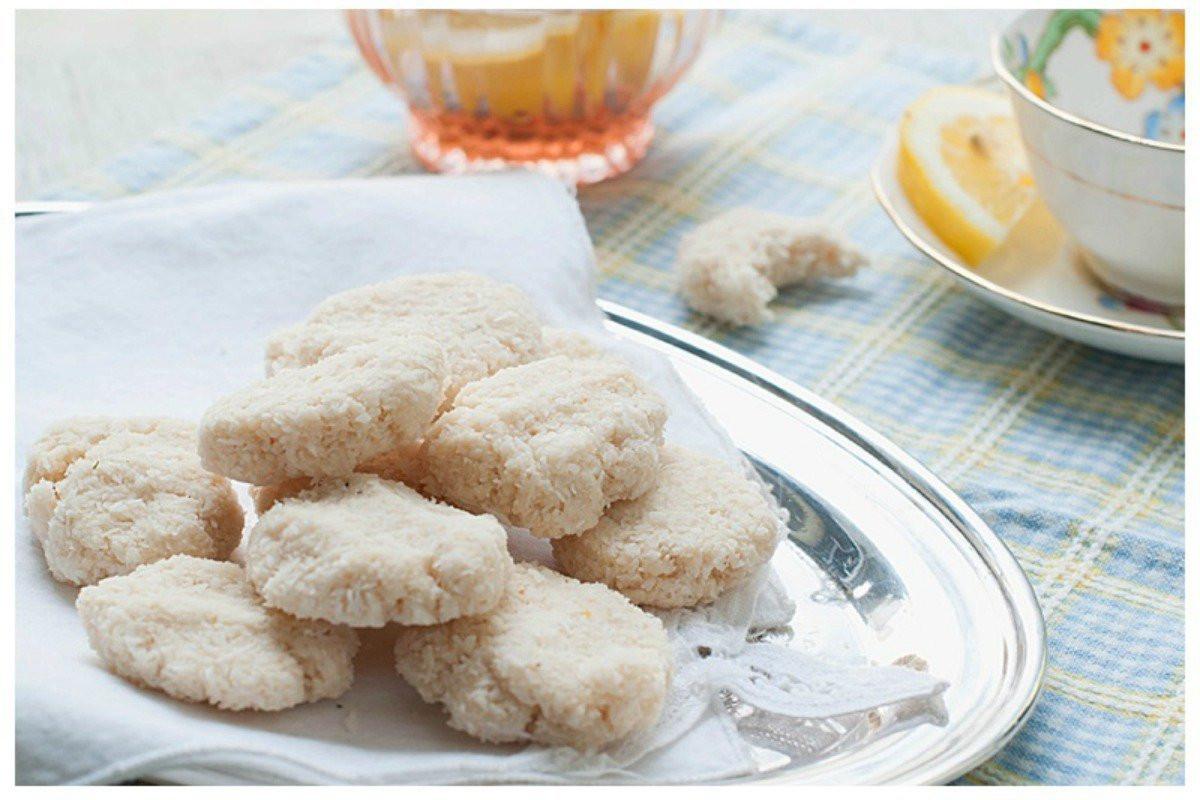 Raw Vegan Macaroons  Raw Lemon Macaroons [Vegan Raw Gluten Free] e Green