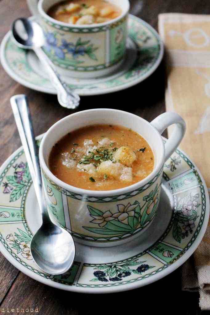 Slow Cooker Vegetarian Potato Soup  Slow Cooker Ve arian Leek and Potato Soup from Diethood