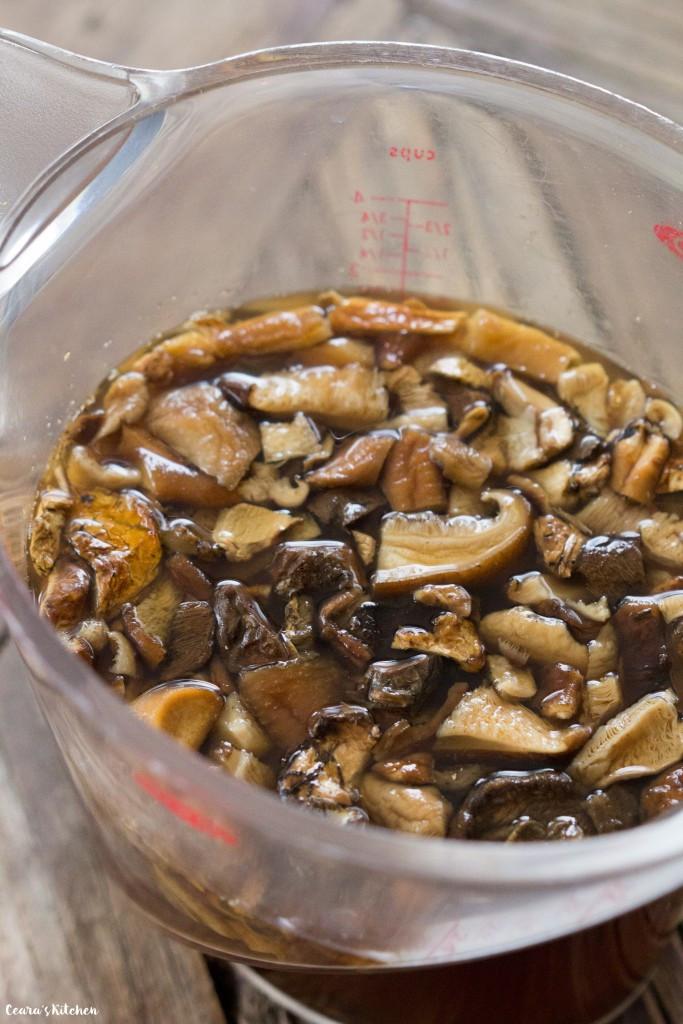 Vegan Gravy Recipe Easy  Easy Vegan Gravy