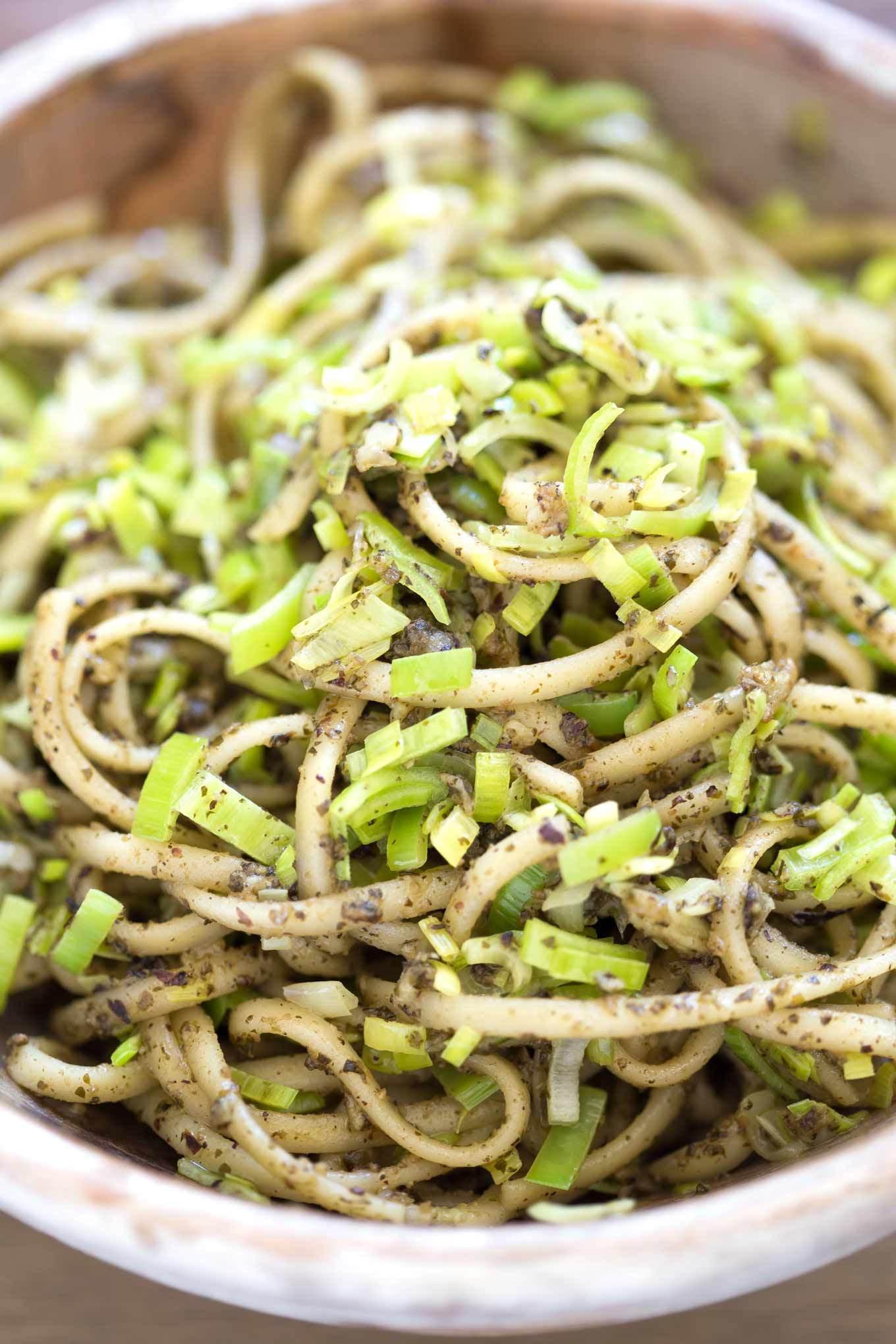 Vegan Leek Recipes  LEEK AND PESTO FETTUCCINE