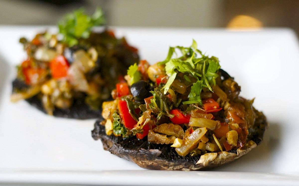 Vegan Portobello Recipes  Stuffed Italian Portobello Mushrooms [Vegan] e Green