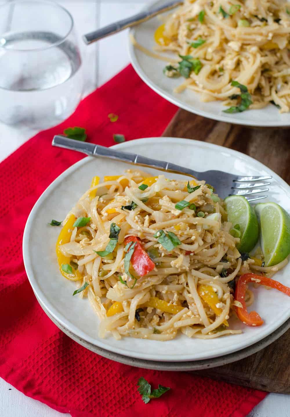 Vegan Rice Noodle Recipes  Easy Vegan Drunken Noodles Delish Knowledge