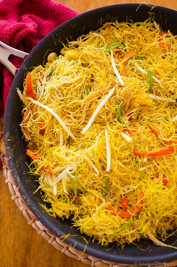Vegan Rice Noodle Recipes  Ve arian Singapore Noodles — Living Lou