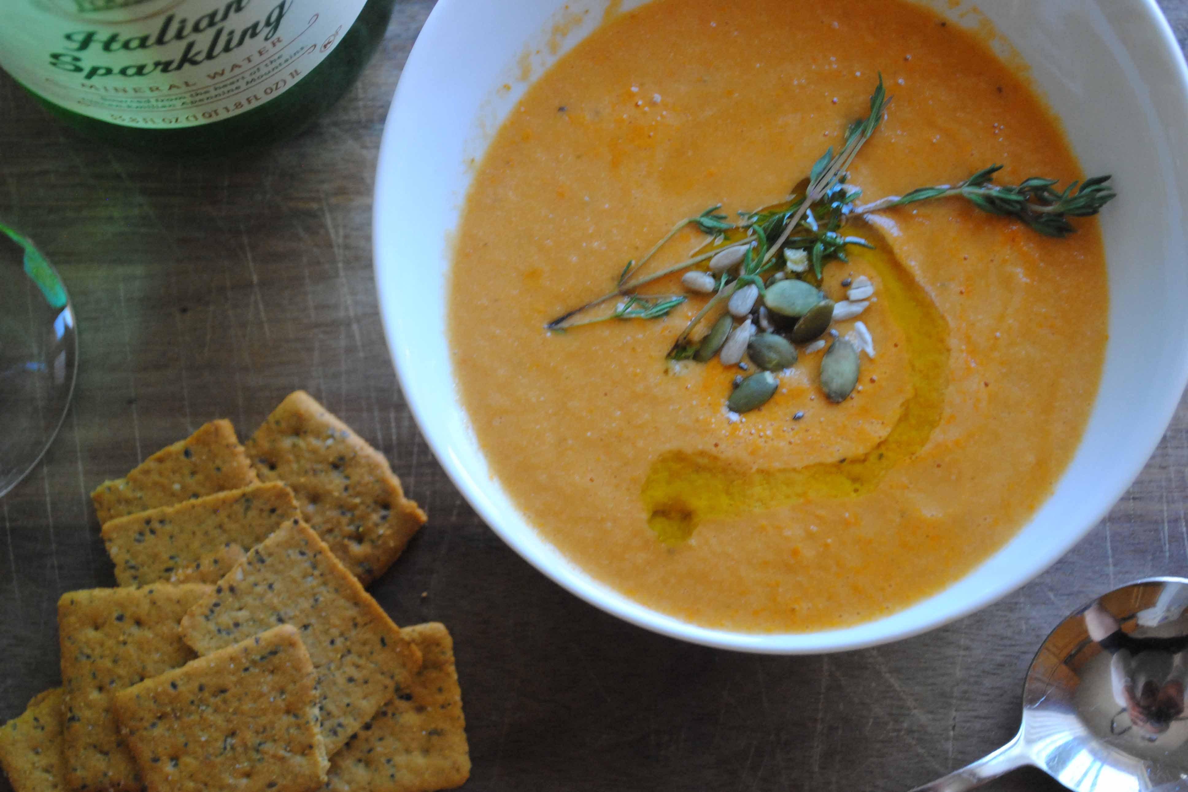 Vegan Tomato Soup Recipes  Super Easy Super Delicious Vegan Tomato Soup