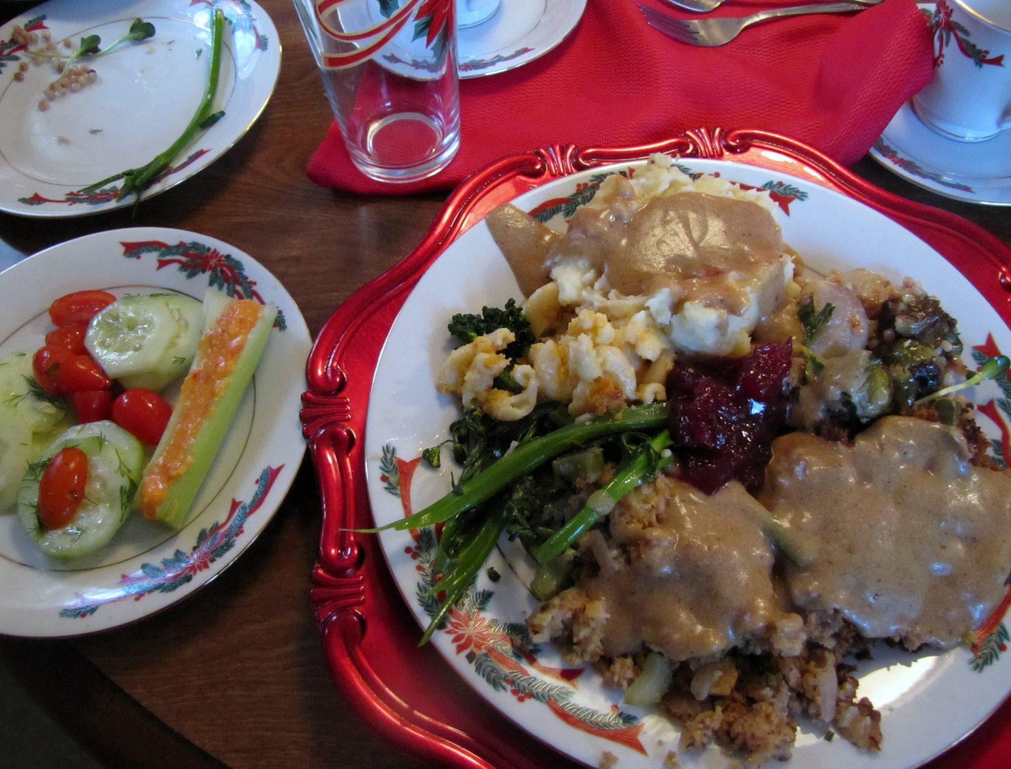 Vegetarian Main Dishes Recipe  Ve arian Thanksgiving Menu – & Main Dish Stuffing Recipe