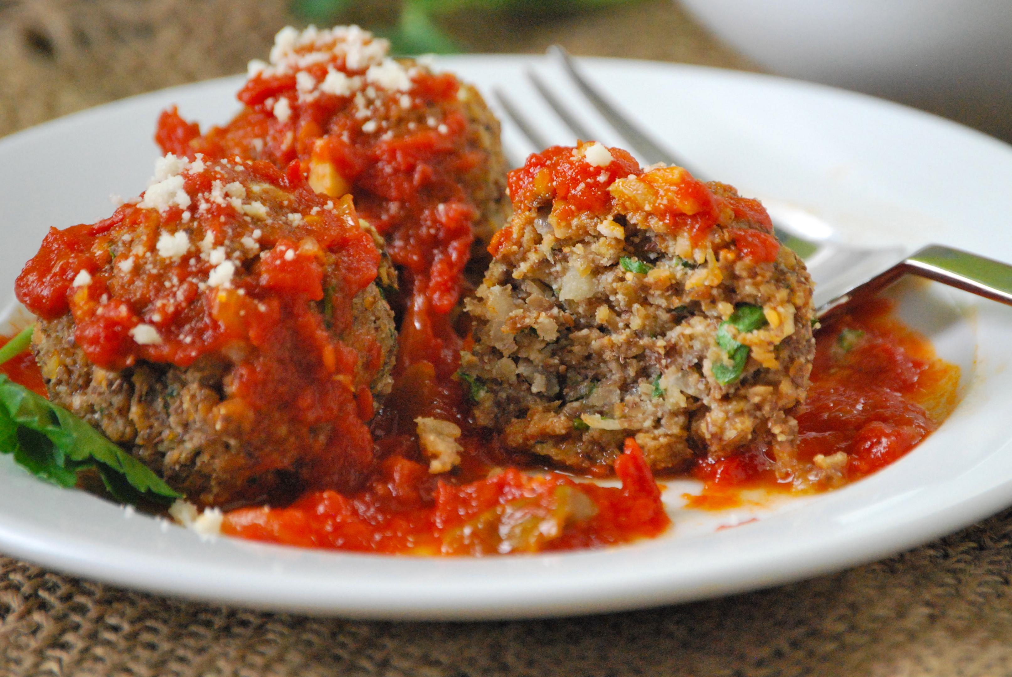 Vegetarian Meatball Recipes  Ve arian Lentil Meatballs