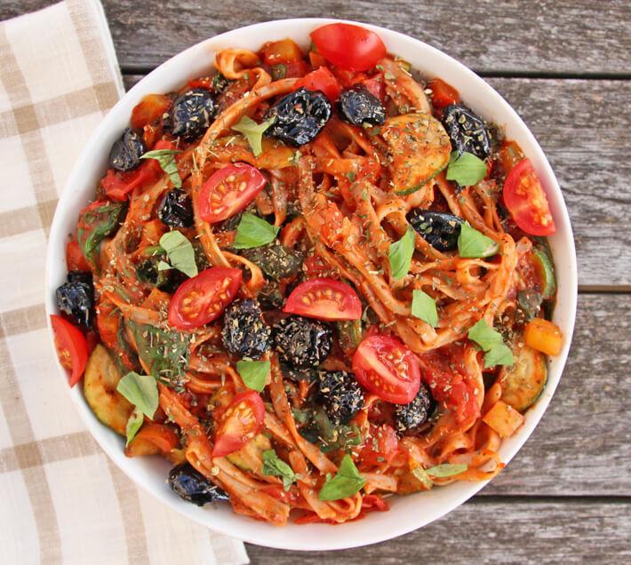 Vegetarian Mediterranean Recipes  Mediterranean Ve able Spaghetti Recipe