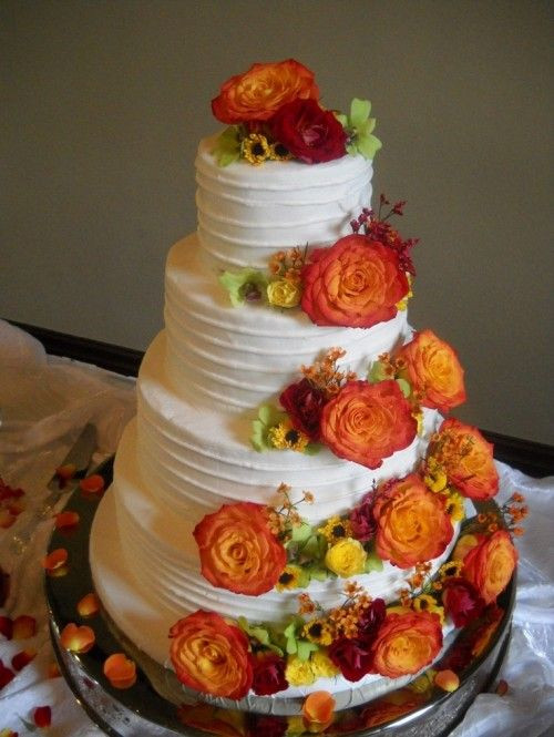 25 Fabulous Autumn Fall Cupcakes  Best 25 Fall wedding cakes ideas on Pinterest