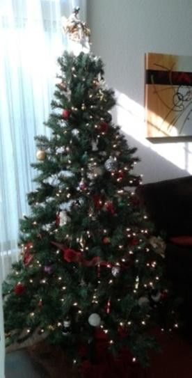 6.5 Ft. Verde Spruce Artificial Christmas Tree With 400 Clear Lights, Greens  6 5 ft Verde Spruce Artificial Christmas Tree with 400