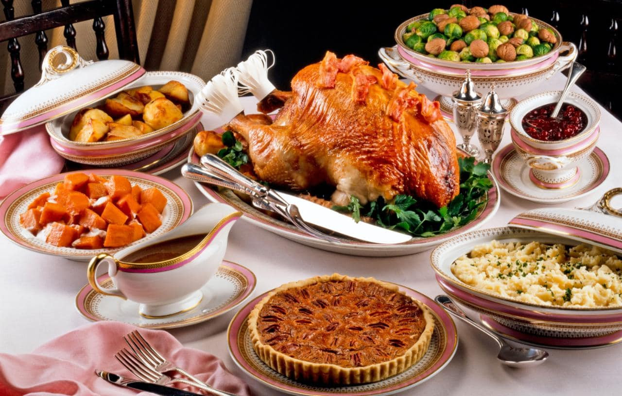 American Christmas Dinner  Thanksgiving the traditional dinner menu and where to