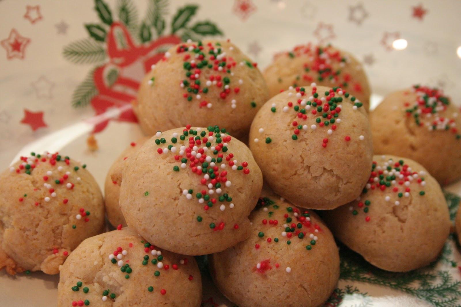 Anisette Christmas Cookies  vegAnn s Kitchen Italian Anisette Christmas Cookies