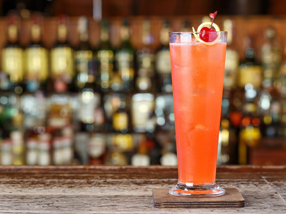 Applebees Halloween Drinks  Applebee's Is Serving $1 Zombie Cocktails in October