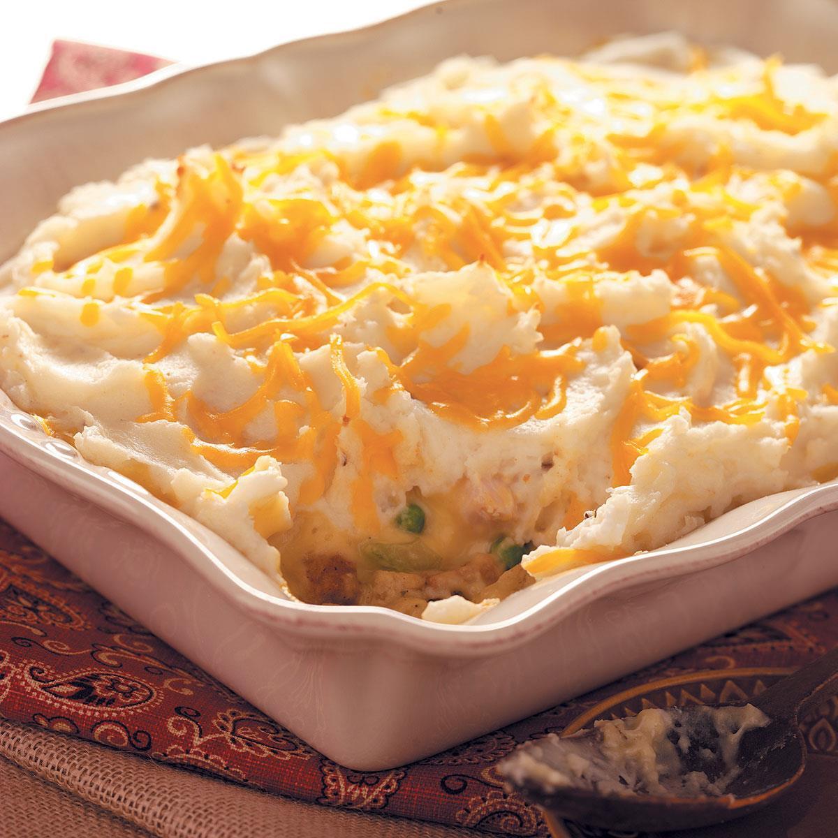 Bake Thanksgiving Turkey  Thanksgiving Leftovers Casserole Recipe
