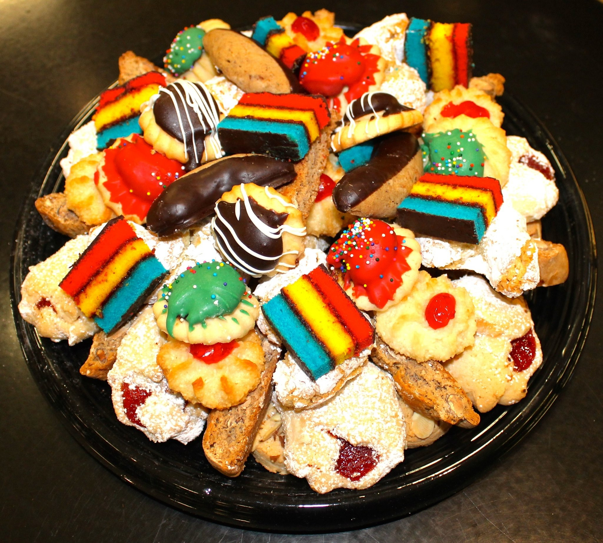 Bakery Christmas Cookies  Let Rito s Italian Bakery and e Lucky Dog do your