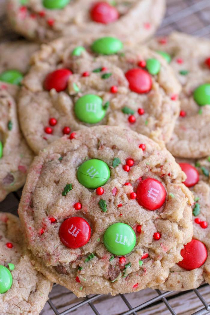 Baking Christmas Cookies  FAVORITE Christmas Cookies recipe