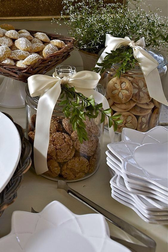 Baking Goods For Christmas Gifts  1000 ideas about Baking Gift Baskets on Pinterest