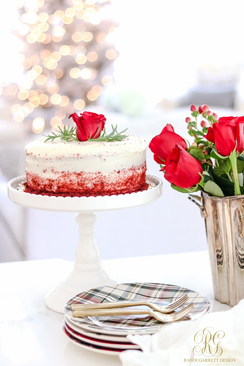 Beautiful Christmas Desserts  Holiday Table Settings White Roses and Magnolia Leaves