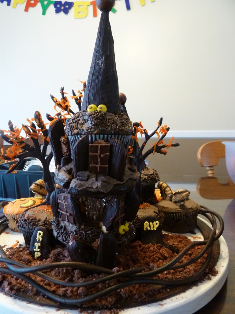 Best Halloween Cakes  20 Best Ever Halloween Cakes Page 20 of 30
