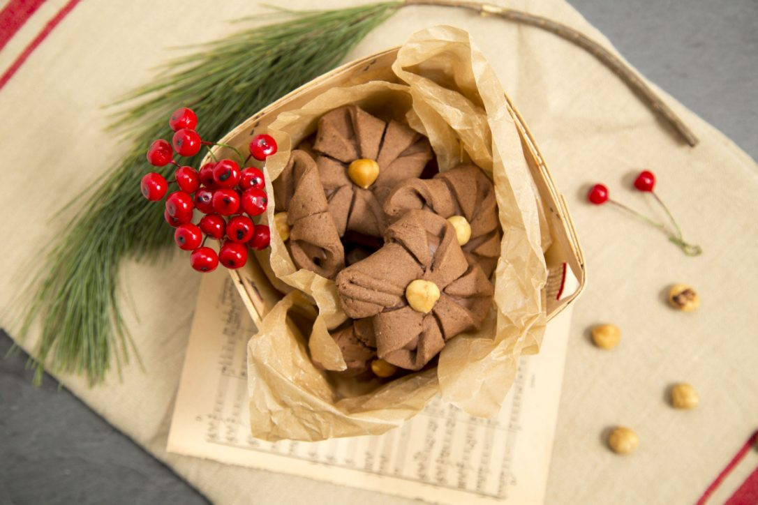 Better Homes And Gardens Christmas Cookies  Chocolate Hazelnut Baskets are nutty and light