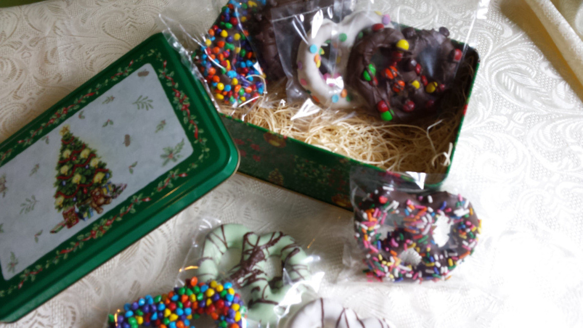 Bulk Individually Wrapped Christmas Candy  Chocolate pretzel Holiday Tin Basket 8 assorted hand made