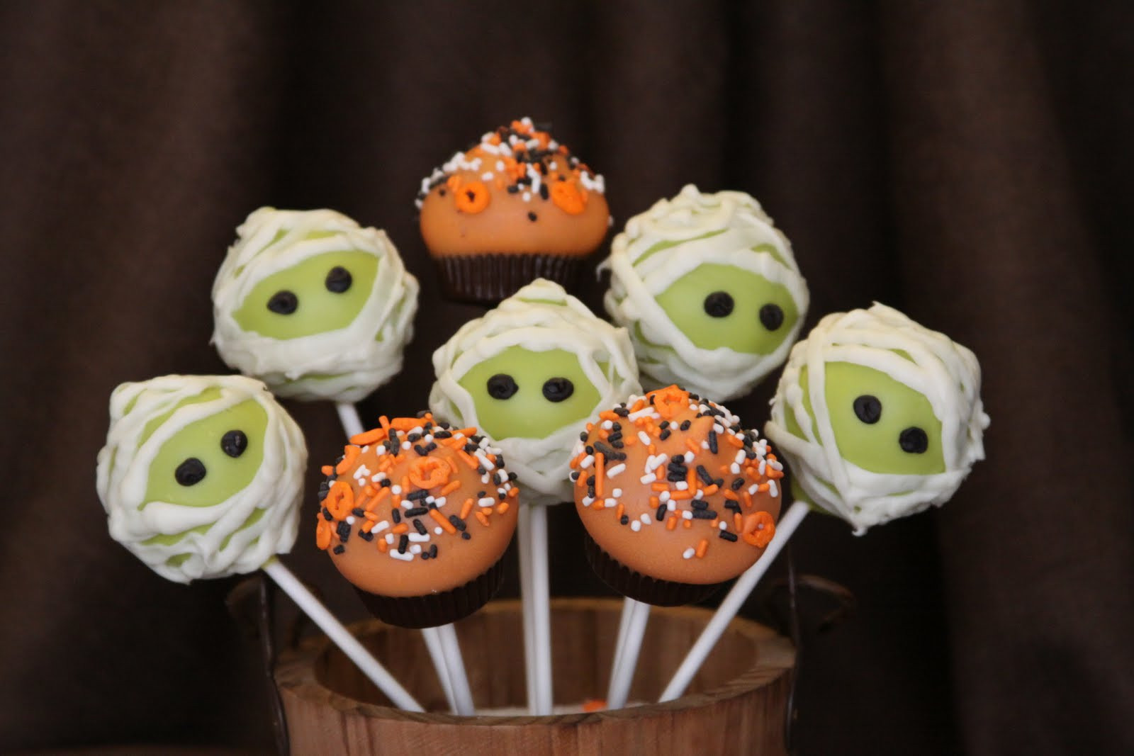 Cakes Pops Halloween  Fall Halloween Cake Pops