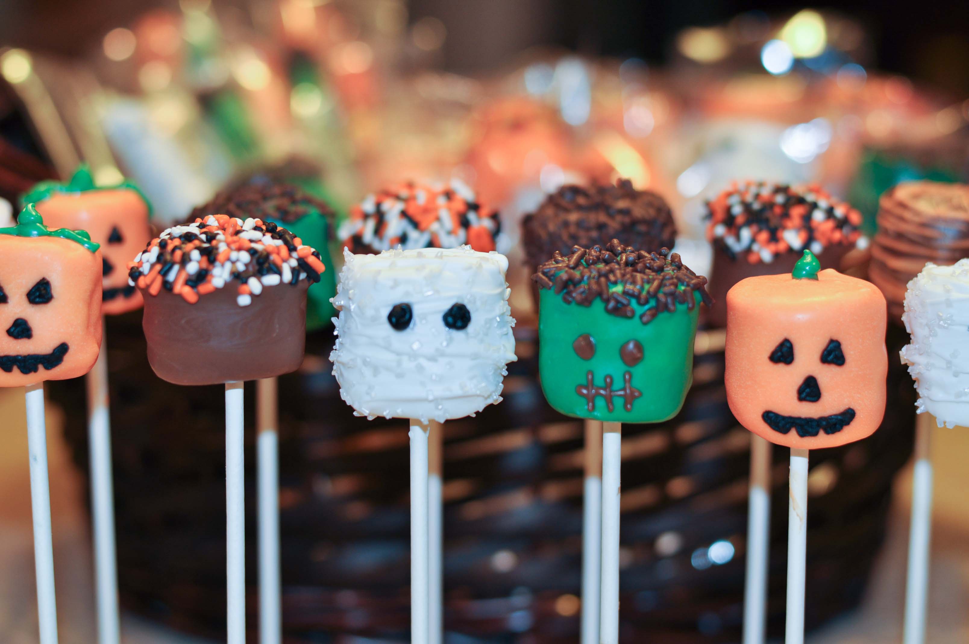 Cakes Pops Halloween  10 Halloween Recipes Mommy s Fabulous Finds