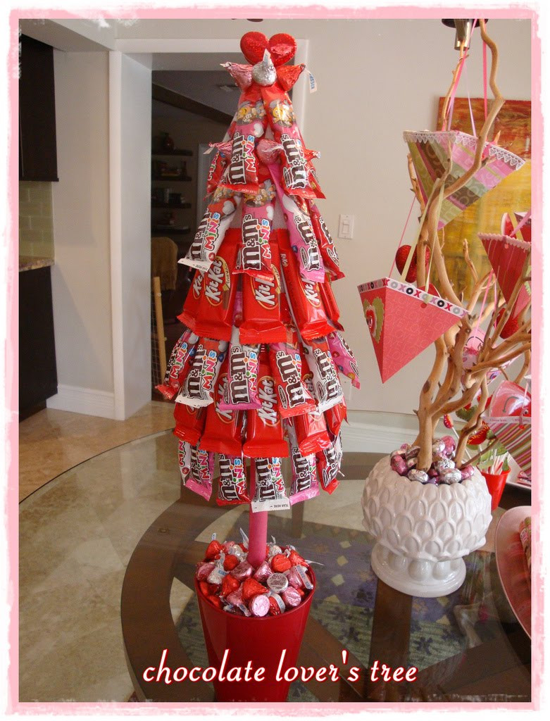 Candy Bar Christmas Tree  sweet bambinos Real Party Valentines Day