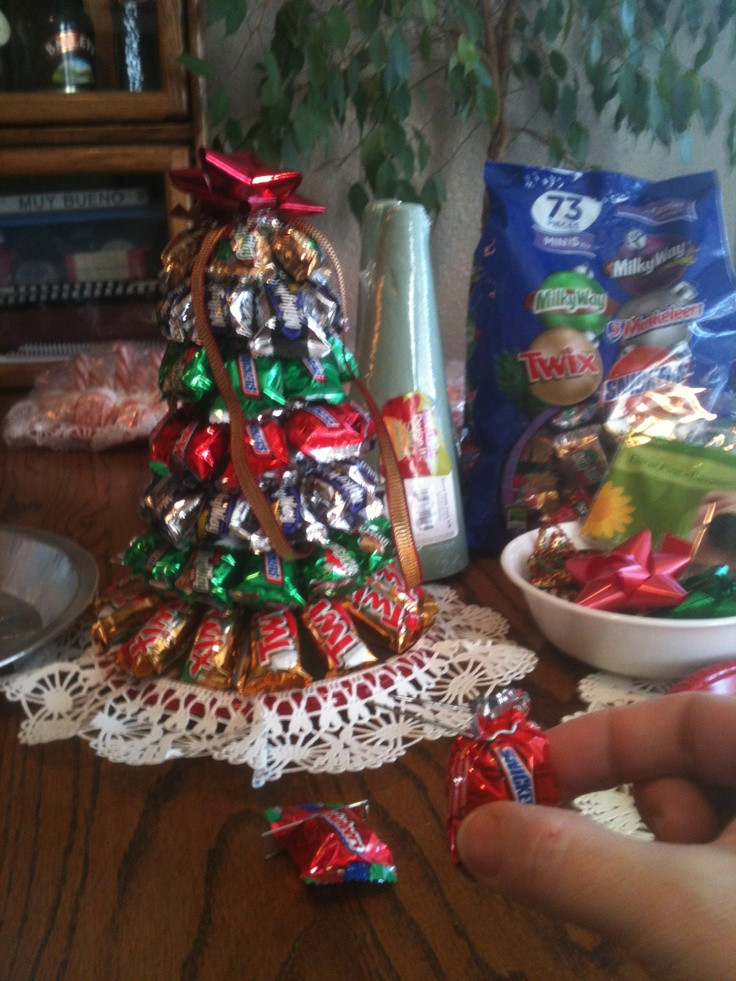 Candy Bar Christmas Tree  7 best Adornos para bautizo images on Pinterest