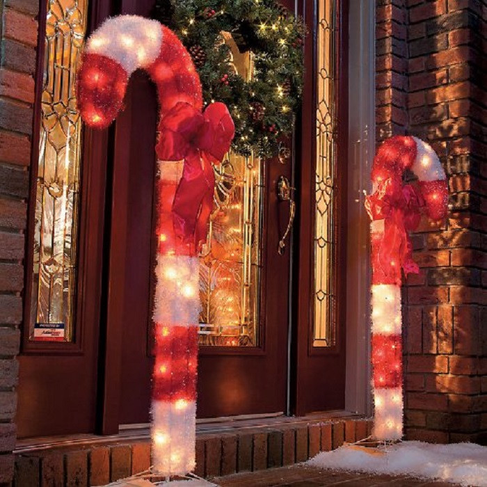 Candy Cane Christmas Lights Outdoor  Outdoor Christmas Decor Ideas