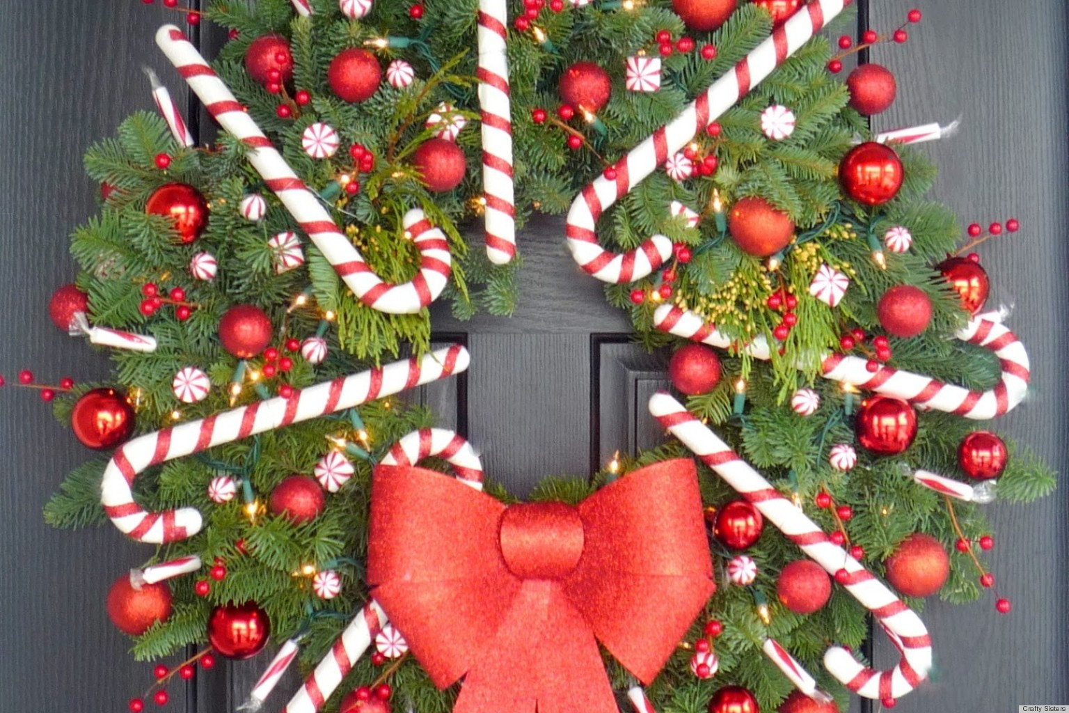 Candy Cane Christmas  Christmas Craft Idea A Candy Cane Wreath That ll Make