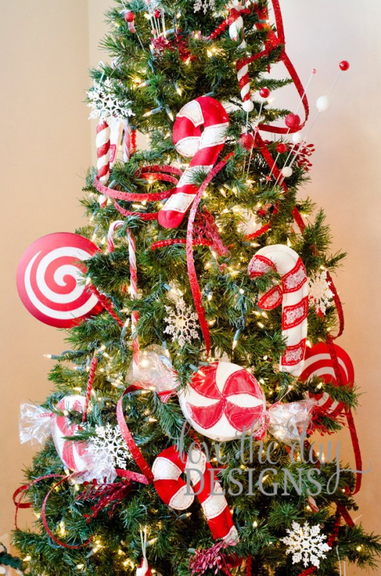 Candy Cane Christmas Tree Decorating Ideas  25 Fun Candy Cane Christmas Décor Ideas For Your Home