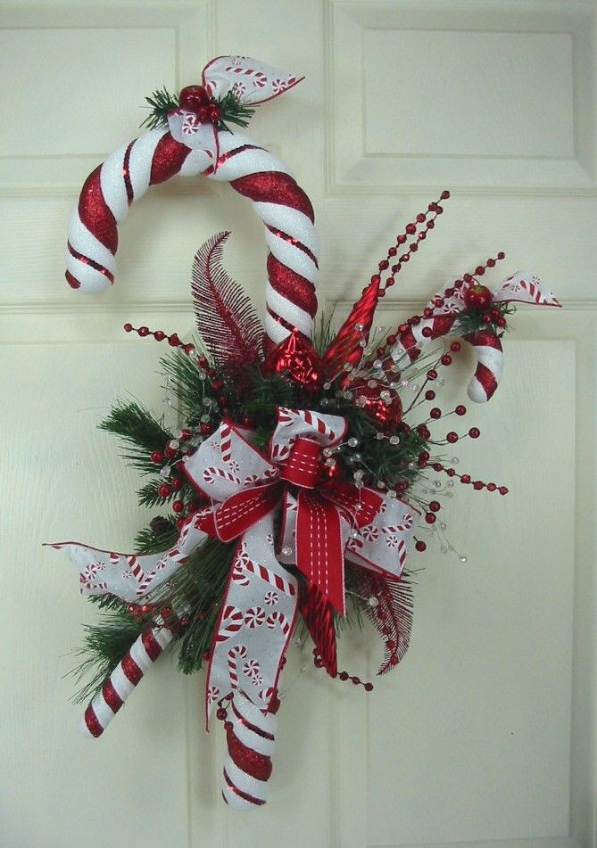Candy Cane Ideas For Christmas  Best 25 Candy cane wreath ideas on Pinterest