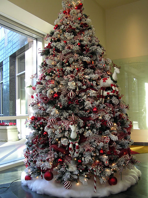 Candy Canes On Christmas Tree  CreATivE Christmas Trees Good Ideas and Tips