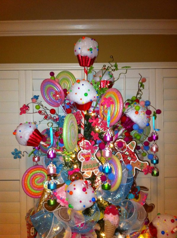 Candy Christmas Tree Topper  25 Ideas To Make Candy Christmas Ornaments MagMent