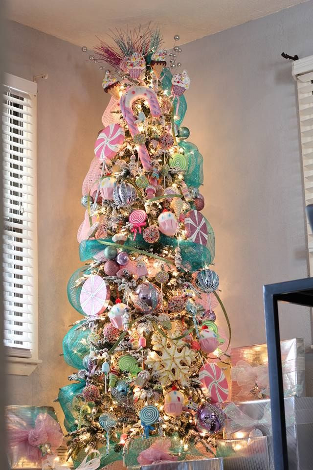 Candy Themed Christmas Tree  Best 25 Candy land christmas ideas on Pinterest