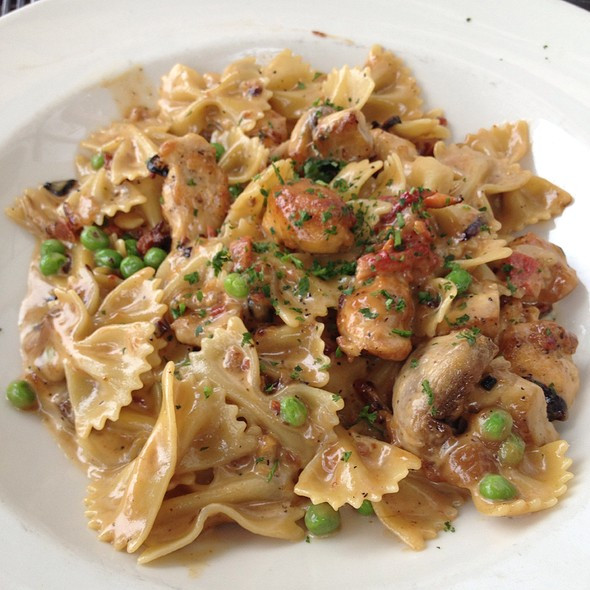 Cheesecake Factory Farfalle With Chicken And Roasted Garlic  Foodspotting