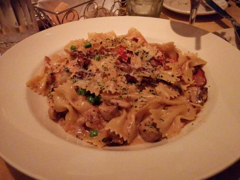 Cheesecake Factory Farfalle With Chicken And Roasted Garlic  Farfalle with chicken and roasted garlic Yelp