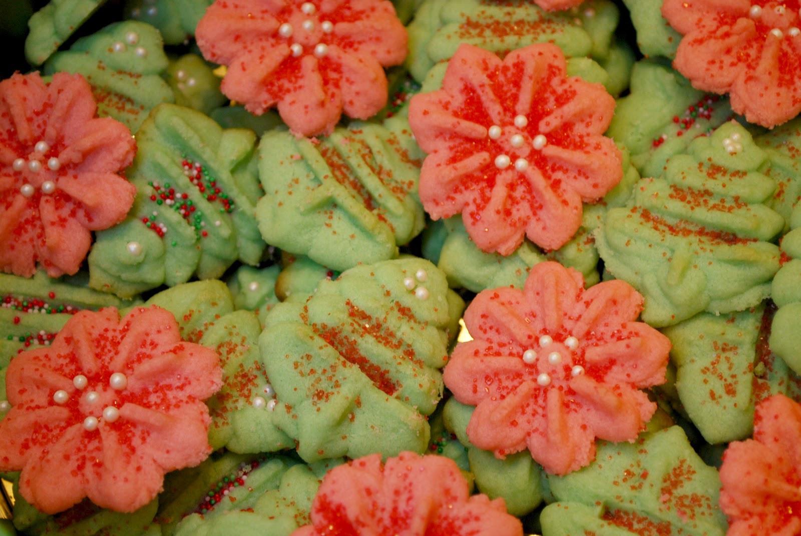 Christmas Almond Cookies  A Girl s Guilty Pleasures Vanilla Almond Sugar Christmas