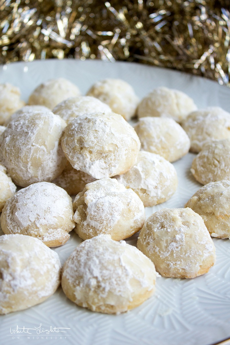 Christmas Almond Cookies  5 Ingre nt Vanilla Almond Snowballs Christmas Cookie